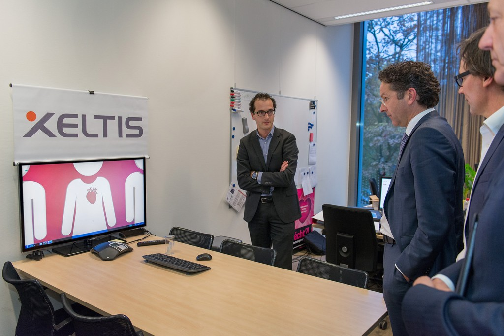 Mr Martijn Cox showing a video on Xeltis - Solutions for a lifetime